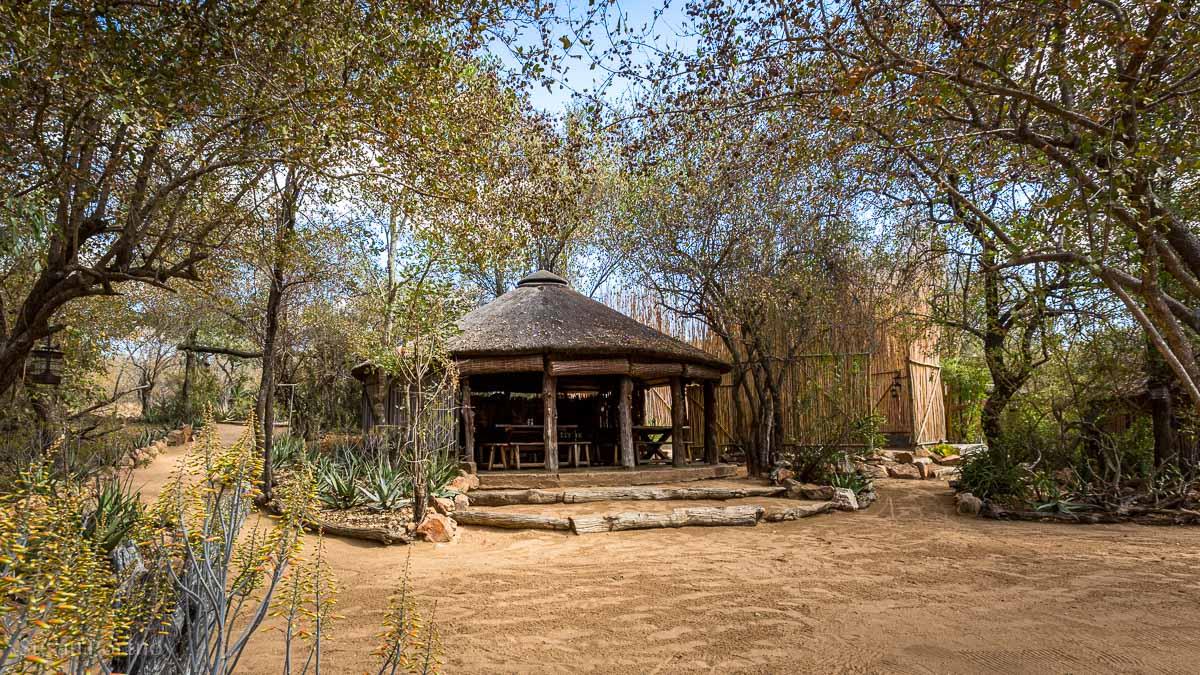 The dining rondavel at Umlani Bushcamp - Timbavati Game Reserve