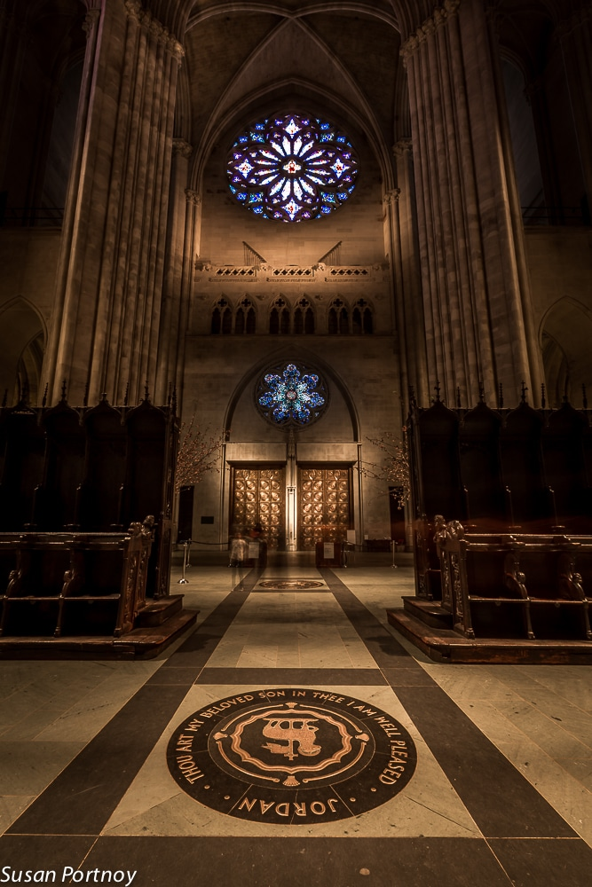 View from the choir area to the main entrance and the Rose window at New York, Cathedral of St. John the Divine.