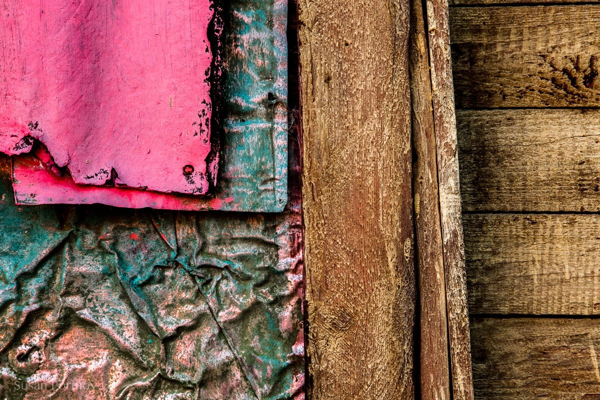 Photographing graphics and abstracts in cojimar, cuba-984104