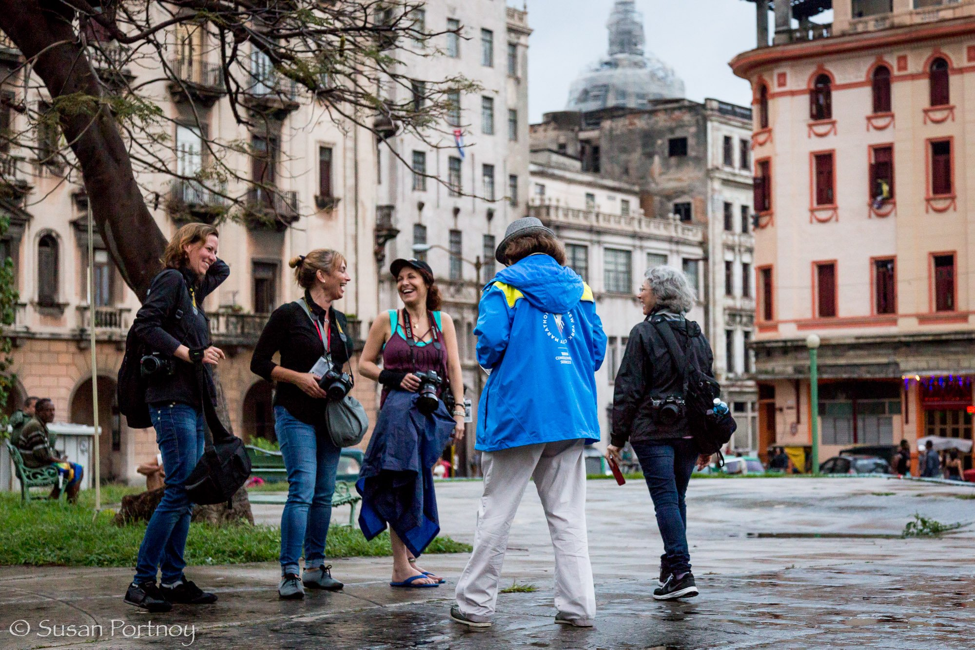 Photographers on a Santa Fe Photographic Workshops' tour of Cuba