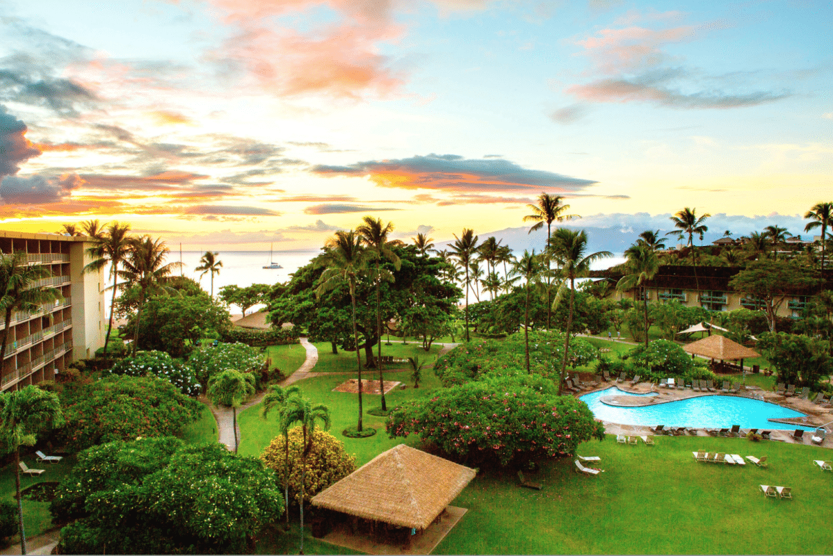 An wide-angle view of the property of theKaanapali Beach Hotel, Maui