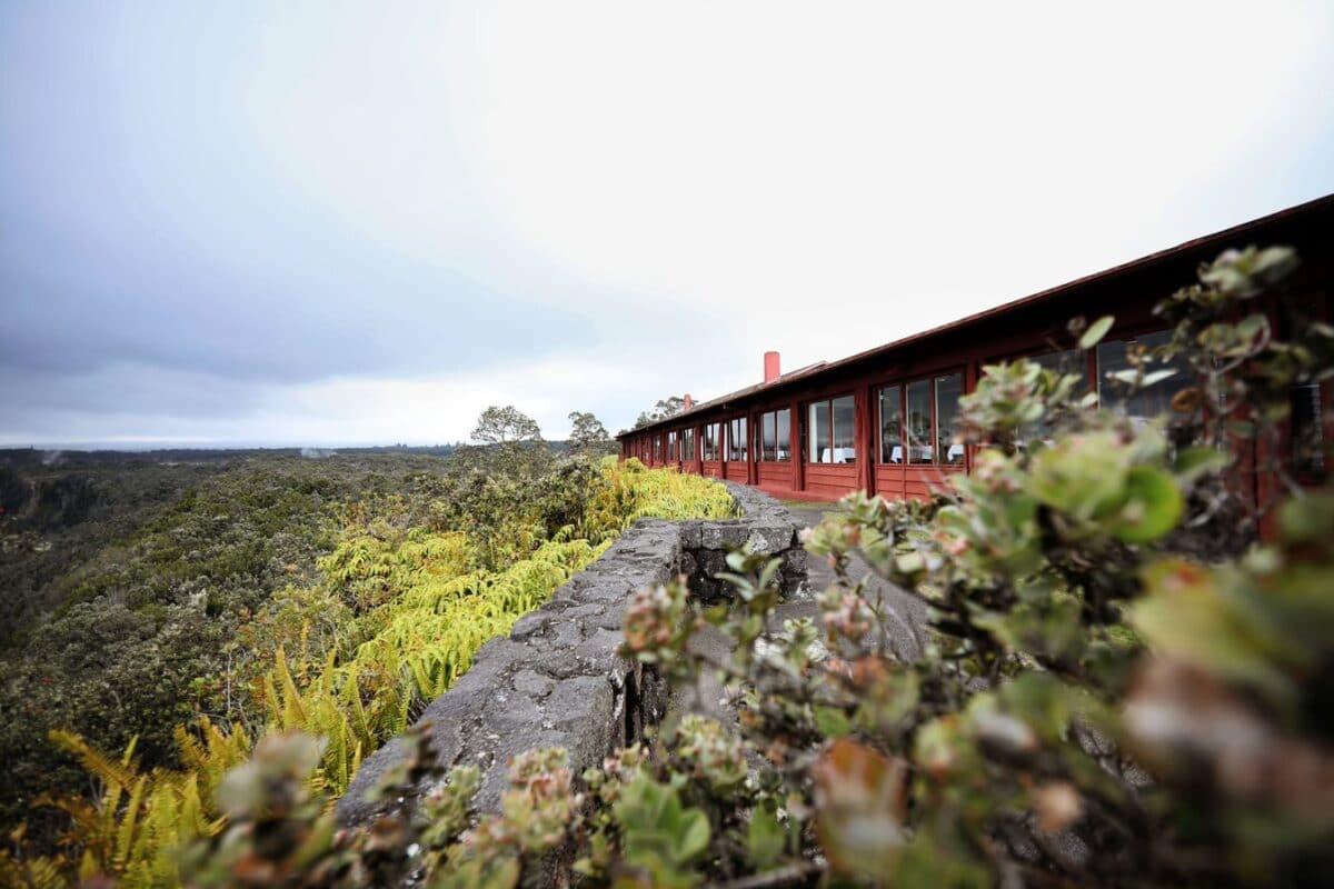 Volcano House Hotel in Volcanoes National Park