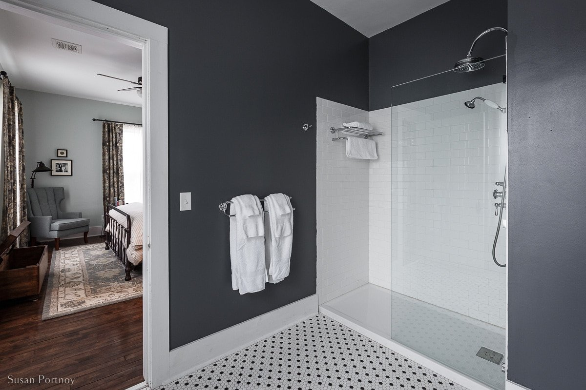 A guest bathroom and shower at Birch Lodge