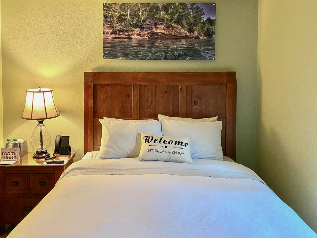 Single bed in the Roam Inn, Munising, MI